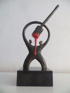 Artistic bronze sculpture with brush and red paint - Artihove