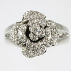 Gold flower shaped ring set with diamonds - 1960