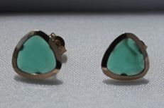 14 kt, yellow gold ear studs, set with emerald - Size: 10 x 10 mm