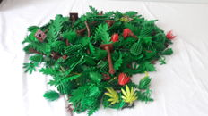 Assorted - Lego trees + bushes + palm leaves