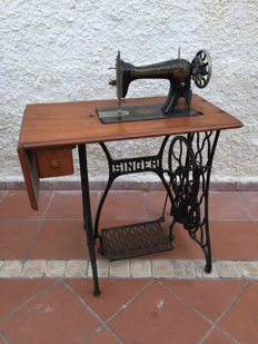 Singer 15 Sewing Machine - 1917