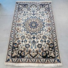 Magnificent light Persian Nain – 140 x 90 – great appearance