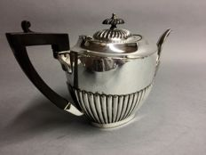 Victorian tea pot with floral decoration, W.B & Co, England, approx. 1940