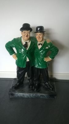 Laurel & Hardy - polyester statue, height 55 cm.