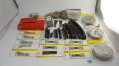 Hornby 00 amongst others  R8072/8073/607/609 - A +/-200 piece rails package with straight/curved rails, points and buffer blocks