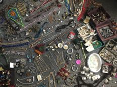 100's of items Estate clearance ,rings, brooch,buttons, beads, jade, soapstone Shelly very old African bead stick