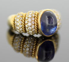 18K yellow gold ladies ring with blue sapphire (1.8 ct) and diamonds (1.10 ct total) - Size: (UK) = L (US) = 6 (EU) = 51 1/2