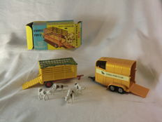 Corgi Toys - Scale 1/43 - Beast Carrier No.58 and Rice Leicestershire Beaufort Double Horse Box `Corgi Pony Club` No.47B
