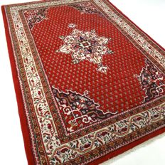 "Mir – 237 × 157 cm – ""Oriental rug in beautiful condition""."