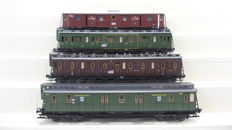 Fleischmann H0 - 5800/5801/5802/5803 - Four carriages, 2 passenger carriages and 1 Baggage carriage and 1 Post carriage of the KPEV