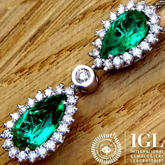 Natural Green Colombian Emerald And Diamond Pendant With Necklace in 18 kt Gold 3.09 ct - Certified - No Reserve