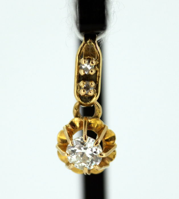 1950's 18K Yellow Gold Pendant With Diamond of 0.27 CT Total; Size : 1.6 x 0.75 x 0.5 cm
