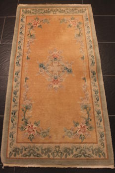 Beautiful Chinese Art Deco Aubusson carpet, made in China, 70 x 140 cm