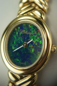 Classique - Swiss Ladies' watch with dial made of opal