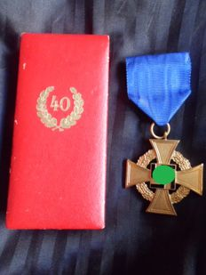 III Reich 40 yeras loyalty Golden Cross in box
