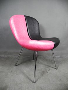 Karim Rashid for Feek – SNAP Chair (lot 1)