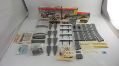 Hornby 00- amongst others -. R590 R8083 - Scenery package with built stations and platform parts and canopies
