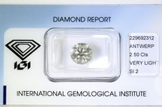 Round Brilliant cut diamond of 2.50 ct Very Light Brown SI2