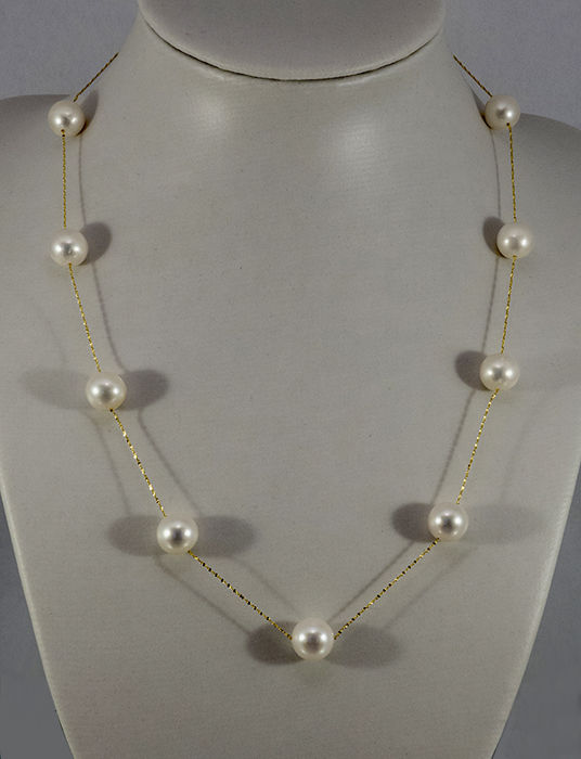 14 kt gold necklace, fine Singapore necklace with 11 cultured pearls, diameter 8.5-9.0 mm -- length: approx. 44 cm