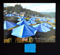 Christo and Jeanne-Claude - The umbrellas Japan