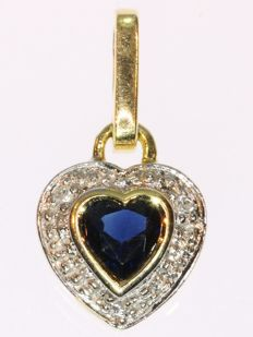Yellow gold heart pendant set with diamonds and one sapphire - No Reserve Price - anno 1970