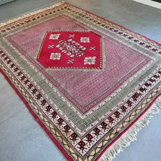 Wonderful, red, Kairouan, Tunisian carpet - 240 x 175 - with certificate.