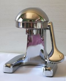 Italian kitchen design - steel juicer with manual lever