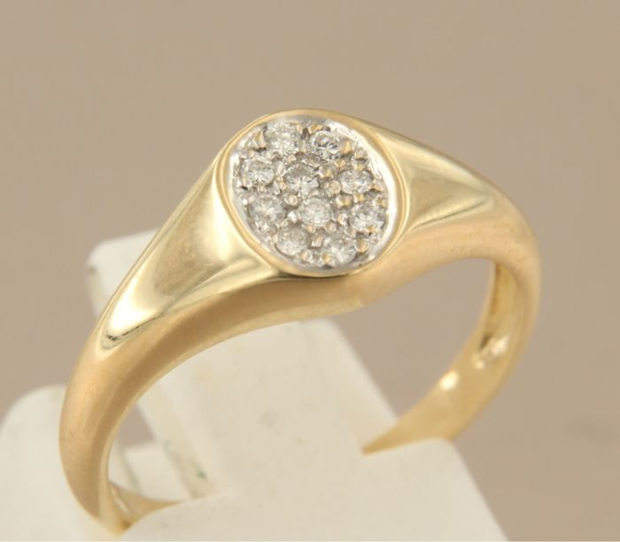 18 kt gold ring set with 10 brilliant cut diamonds, approx. 0.14 carat in total, ring size 17 (53)