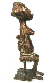 Beautiful Maternity made of Bronze - BAULE - Cote d'Ivoire