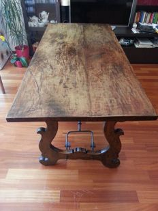 Wonderful 17th century style walnut table - Spain - 1850/1880