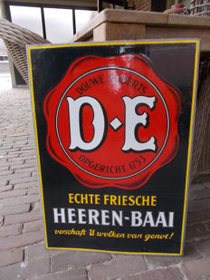 "Old enamel advertising sign for ""Douwe Egberts echte friesche heerenbaai"" from the 1930s"