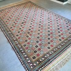 Beautiful Kazakh rug – 313 x 196 cm – very good condition and great appearance.