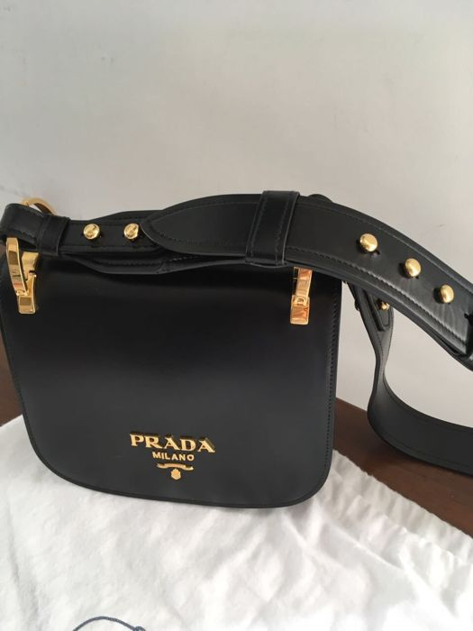 9d0977fbcf Prada – shoulder bag - Catawiki