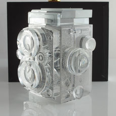 Rolleiflex 2.8/80mm display model replica: 2/3 of true size, of 100% solid K9 crystal, hand-made, collector's item