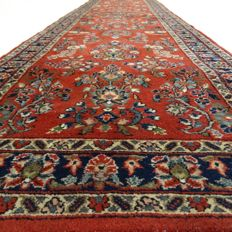 Sarough - 312 x 78 cm - Oriental runner in beautiful condition.