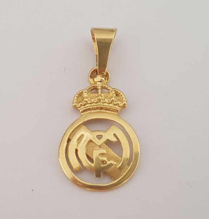 18 kt gold gold pendant with the real madrid emblem catawiki 18 kt gold gold pendant with the real madrid emblem aloadofball Image collections