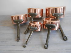 Set of 5 saucepans in red copper - Made in France.