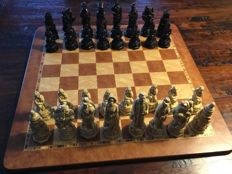 Chess pieces, theme American Civil War, perfectly detailed, unpainted, material: polystone Without chessboard