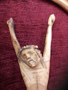 Sculpture of Christ carved out of bone - Italy - 18th century