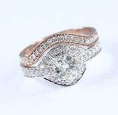 Set of 2 - 18 kt/750 White Gold and Rose Gold Center Solitaire Diamond ring 0.76 ct. with Accent Diamonds of 0.62 ct - Ring Size 53/17