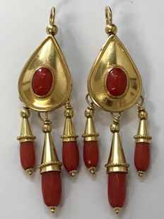 Gold earrings with Italian cherry red coral