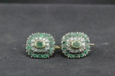 Gold earrings with emeralds and diamonds - 275.