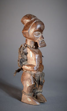 Cute Mutinu Brnamba TEKE Figure. Democratic Republic of the Congo.