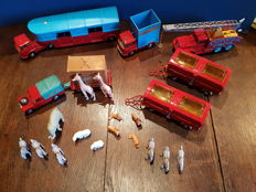 Corgi (Major) Toys - Scale 1/43-1/48 - Lot with 7 Vehicles of the Chipperfield's circus