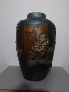 Rare large earthenware vase - Japan - circa: 1900.