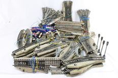 Märklin H0 - 90-piece batch M-rails with a lot of electric switches
