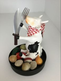 Cow Parade - Cowparade - Le Chef - medium - resin and RETIRED!