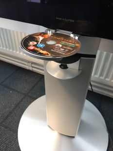 Bang en Olufsen Beovision 7-32 T 9121 with BeoLab 7.1