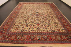 Antique high quality, hand-knotted Persian carpet, Sarough, made in Iran, original colours, 265 x 380 cm