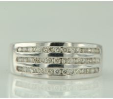 18 kt white gold ring set with 42 brilliant cut diamonds in total approx. 0.63 carat ring size 17.25 (54)